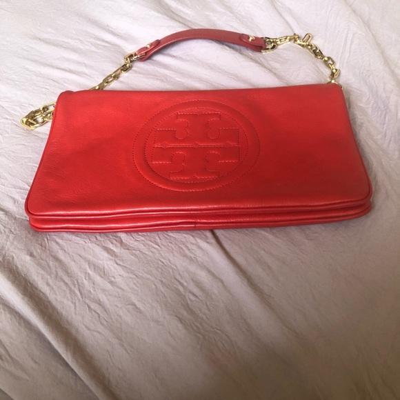 Tory Burch Handbags - Tory Burch Bombe Reva Shoulder leather clutch